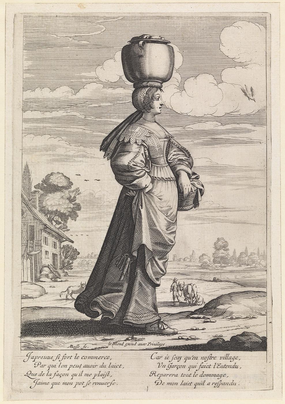 Naar rechts lopende vrouw in landschap een pot op haar hoofd dragend